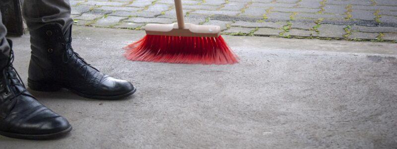 SM Bacieczki zatrudni sprzątaczy posesji.
